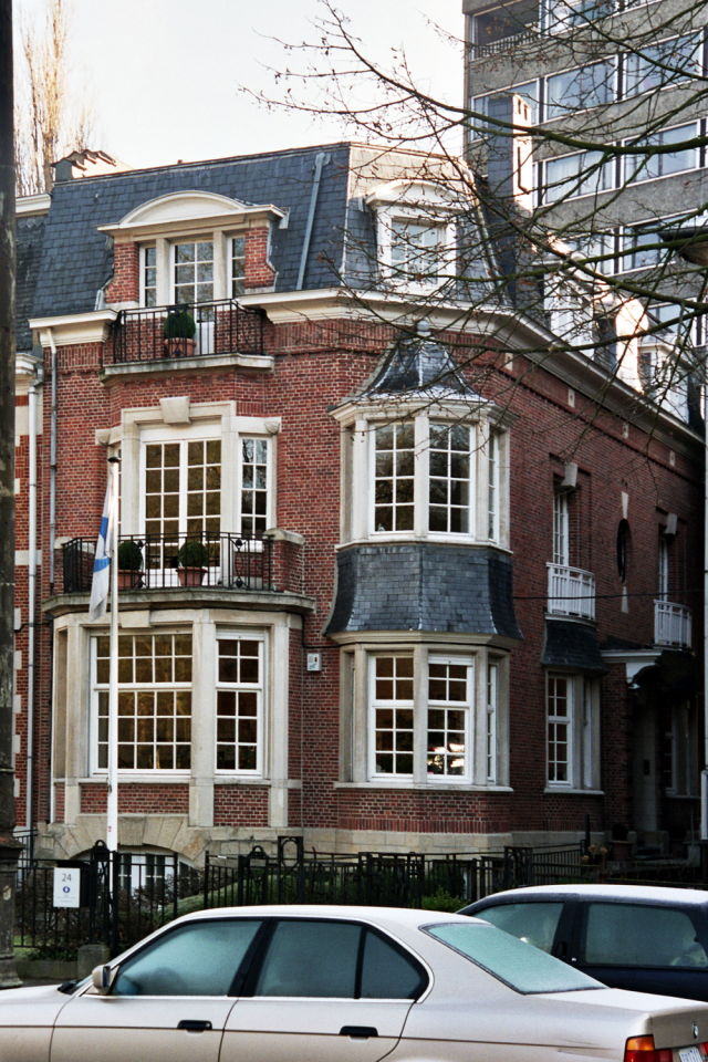 BIR buys townhouse on Avenue Franklin Roosevelt in Brussels